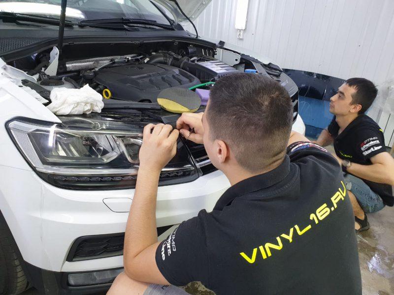 Бронирование капота, оптики полиуретановой плёнкой Hexis Bodyfence — Volkswagen Tiguan