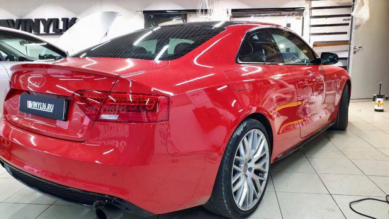 Audi A5 — тонировка всех стёкол плёнкой Shadow guard 50%, оклейка крыши в чёрный глянец плёнкой kpmf