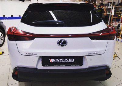 Тонировка задней полусферы Lexus UX200 плёнкой премиум класса Llumar 95%