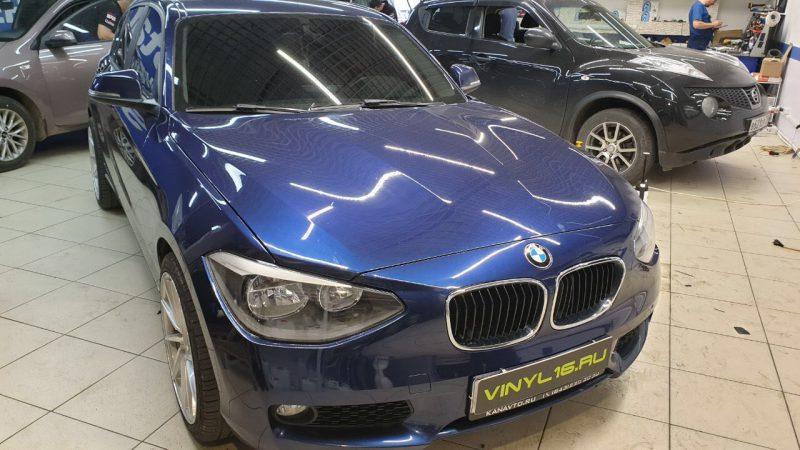 BMW 1 серии — тонировка лобового стекла и бронирование фар пленкой с эффектом затемнения