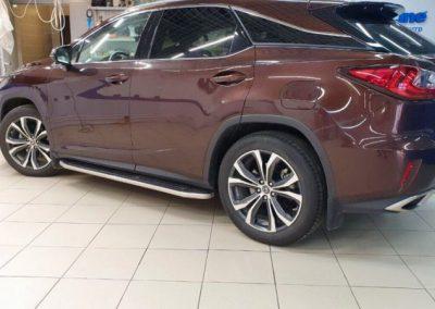 Забронировали «зоны риска» Lexus RX300 прочной полиуретановой пленкой Hexis Bodyfence
