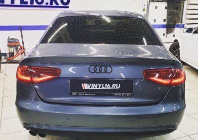 Затонировали заднюю полусферу Audi A4 плёнкой Shadow Guard 85% затемнения
