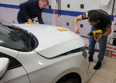 Бронирование автомобиля пленкой и тонировка стекол — Skoda Rapid