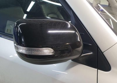 Land Cruiser Prado  — оклейка зеркал чёрной глянцевой плёнкой