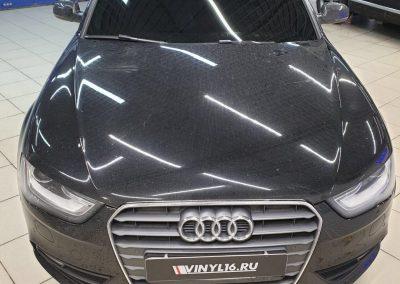 Затонировали переднюю полусферу Audi A4 пленкой UltraVision
