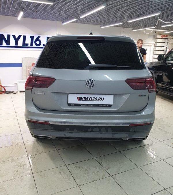 VW Tiguan — тонировка стекол автомобиля пленкой Llumar