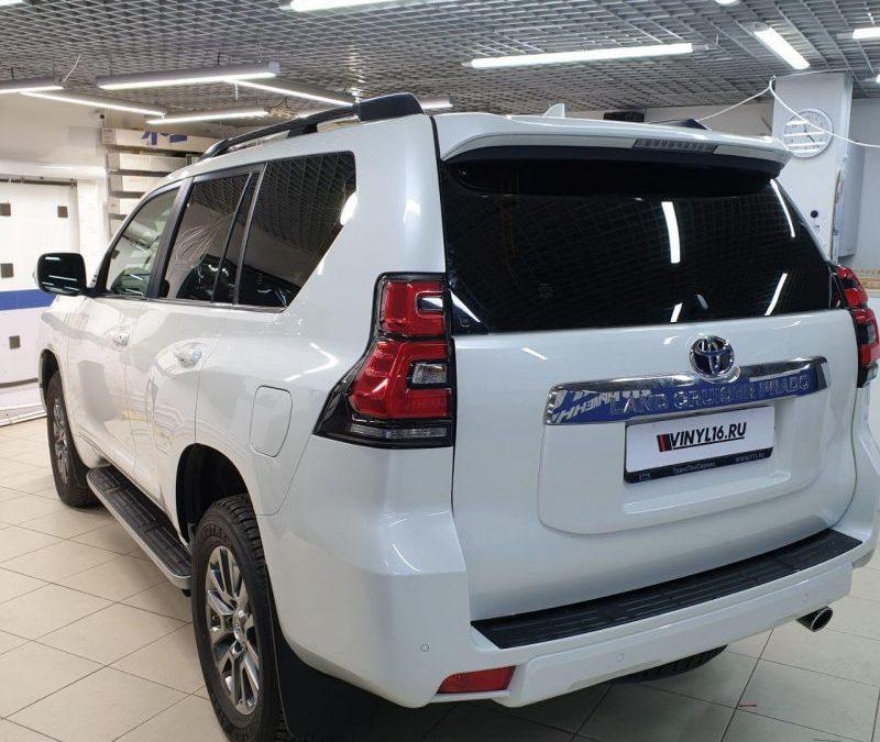 Тонировка пленкой Llumar стекол автомобиля Toyota Land Cruiser Prado