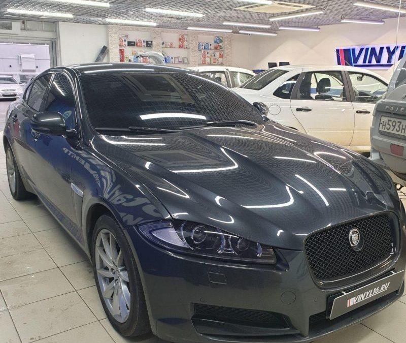 Jaguar XF — тонировка боковых стекол и лобового стекла пленкой Global