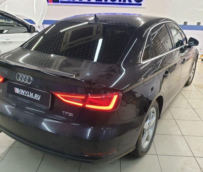 Тонировка задних и передних стекол автомобиля Audi A3 пленкой Llumar