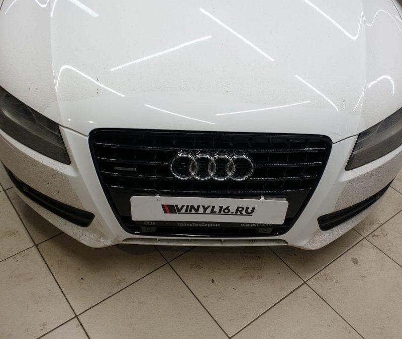 Оклейка хрома на рамках дверей и решетки радиатора автомобиля — Audi A5