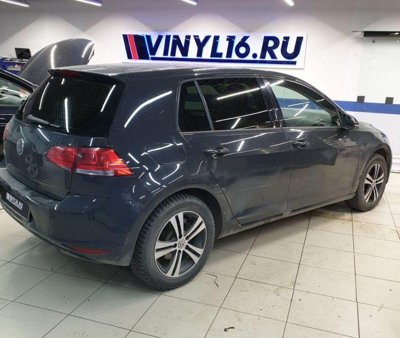 VW Golf 7 — тонировка стекол авто пленкой llumar 95%