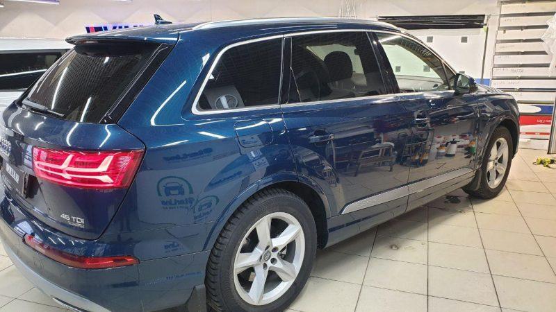 Тонировка стекол автомобиля Audi Q7 пленкой Johnson