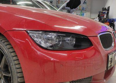 BMW 3 серии — бронирование передних фар пленкой Stek с эффектом затемнения, тонировка задних фар автомобиля
