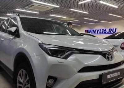 Toyota Rav 4 — тонировка стекол автомобиля пленкой Shadow Guard и бронирование фар