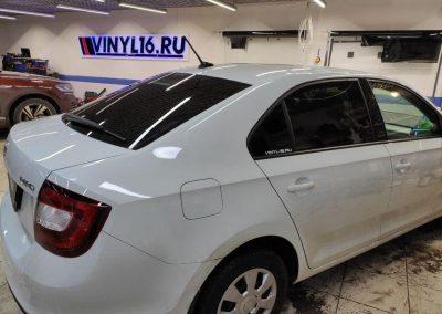 Тонировка автомобиля Skoda Rapid пленкой Llumar