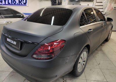Mercedes-Benz C класса — тонировка передних боковых стекол пленкой Llumar 95, лобового стекла пленкой Llumar 65