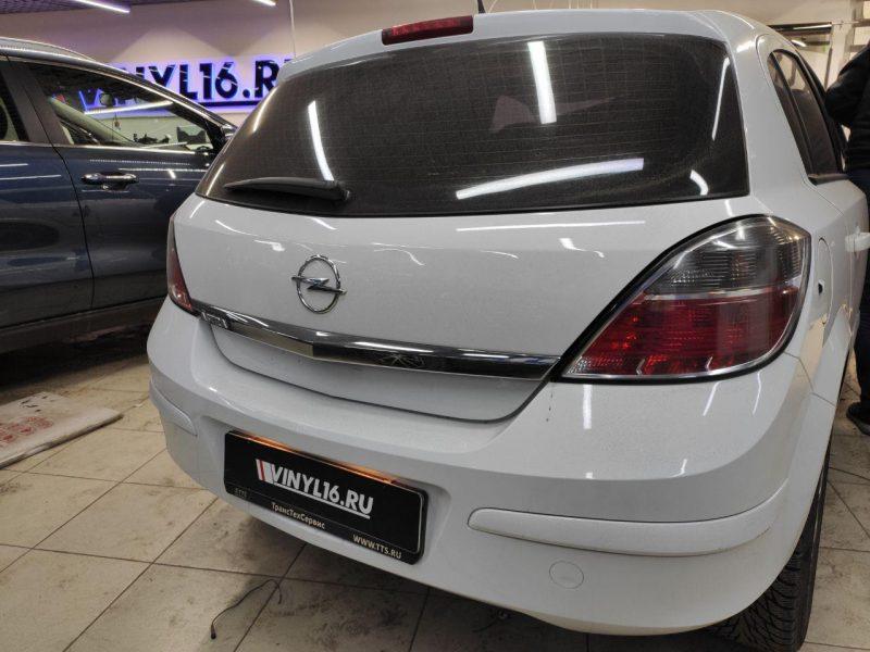 Opel Astra H — тонировка фар и тонировка передних стекол пленкой Carbon 50%
