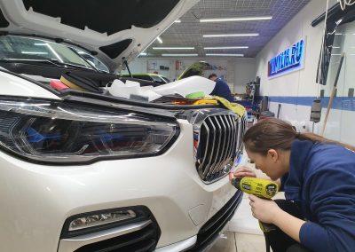 Комплексное бронирование нового автомобиля BMW X5 G05 полиуретановой пленкой
