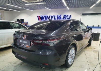 Автомобиль Toyota Camry — тонировка задних фонарей