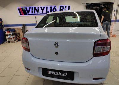 Renault Logan — оклейка всего кузова в белый глянец Orajet