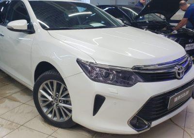 Toyota Camry — бронирование фар тонирующим полиуретаном Stek