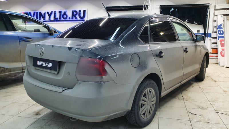VW Polo -тонировка задней части пленкой Shadow Guard 95