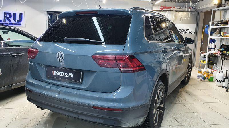 Volkswagen Tiguan — тонировка задней полусферы пленкой LLumar 95