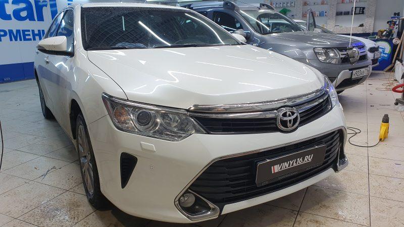 Toyota Camry — бронирование капота полиуретановой пленкой