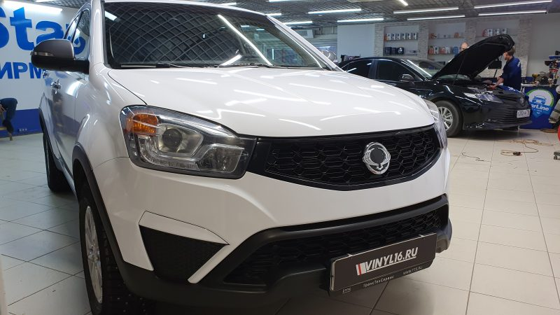 Ssangyong Action — оклейка автомобиля белой глянцевой пленкой