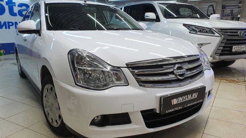 Nissan Almera — оклейка автомобиля пленкой белый глянец