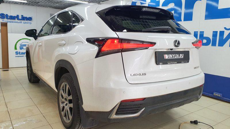 Lexus NX200 — тонировка задней полусферы пленкой SunTek с эффектом зеркала