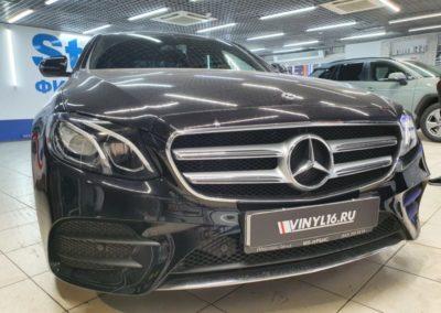 Mercedes-Benz E-Класс — бронирование фар полиуретановой пленкой
