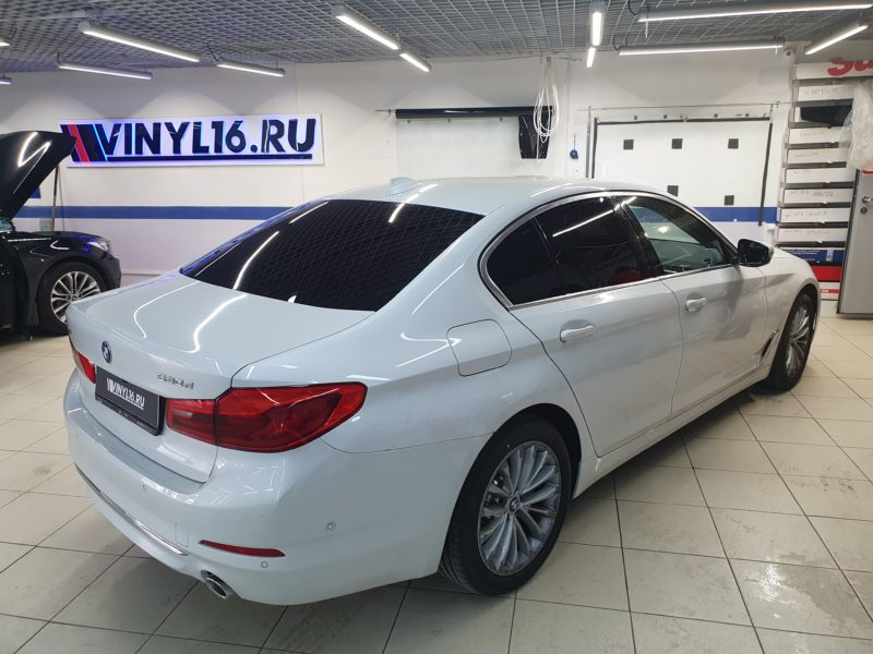 Тонировка задних стекол автомобиля BMW 5 серии пленкой  SunTek 95