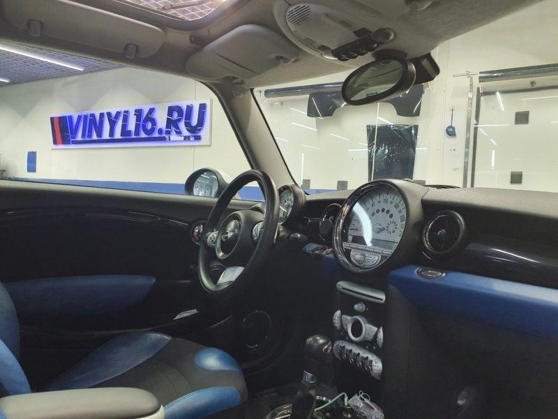 Mini Cooper — тонировка лобового стекла и боковых стекол пленкой Carbon 50