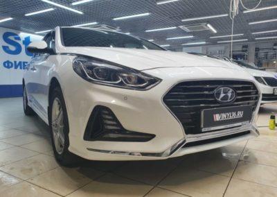 Hyundai Sonata — бронирование полиуретановой пленкой бампера и полоса на капот