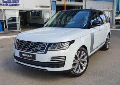 Range Rover — комплексное бронирование полиуретановой пленкой, оклейка в черный глянец зеркал и элементов крыши