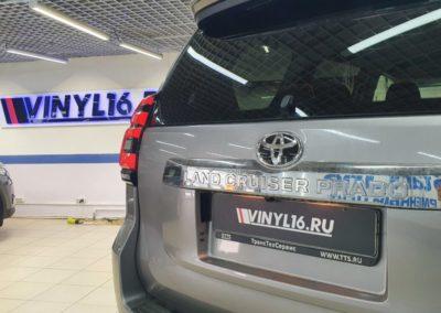 Toyota Land Cruiser — тонировка задней полусферы пленкой Global 80%