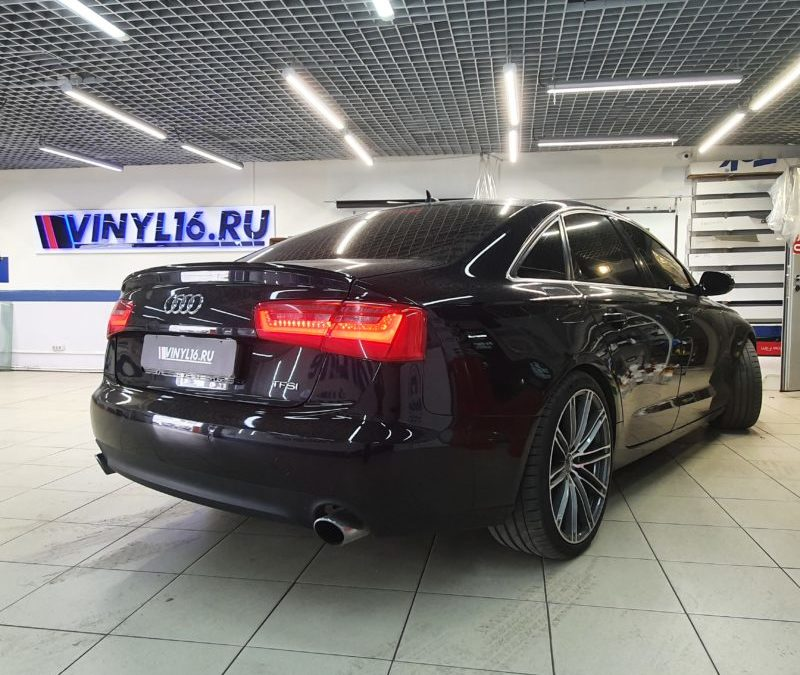 Audi A6 — тонировка боковых стекол пленкой SunTek 95, лобового стекла пленкой Global 80