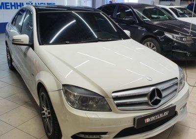 Mercedes C класса — оклейка крыши пленкой черный глянец