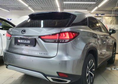 Тонировка стекол автомобиля Lexus RX300 пленкой LLumar