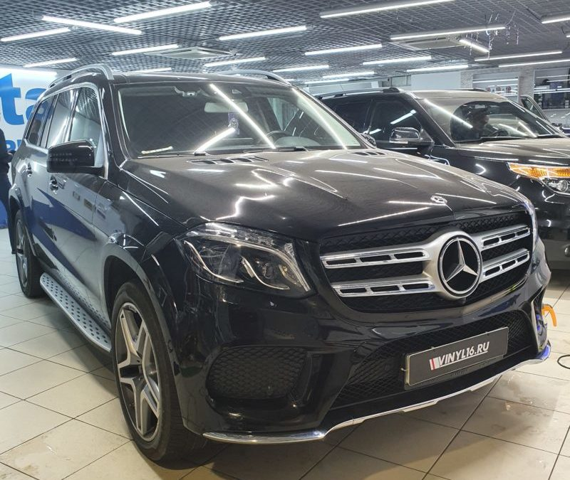 Mercedes GLS — снятие старой бронепленки, полировка и повторное бронирование полиуретаном