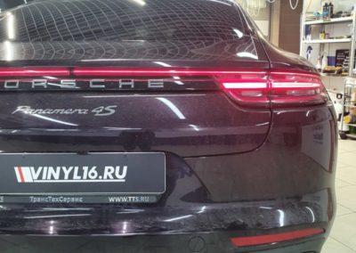 Тонировка стекол автомобиля Porsche Panamera 4S пленкой Johnson