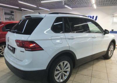 Бронирование нового VW Tiguan полиуретановой пленкой DeltaSkin Moleckula — капот, полоса на крылья, стойки, полоса на крышу, ручки и фары