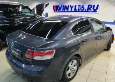 Toyota Avensis — затонировали заднюю полусферу плёнкой Shadow Guard 95% затемнения