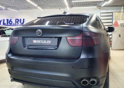 Сделали частичную оклейку элементов BMW X6 в черную матовую плёнку