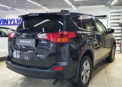 Toyota Rav 4 — тонировка стекол пленкой LLumar, боковые стекла 95%, задние стекла 85%