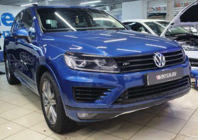 VW Touareg — полный антихром автомобиля, оклейка хромированных молдингов автомобиля