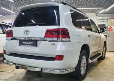 Тонировка стекол Toyota Land Cruiser пленкой Llumar