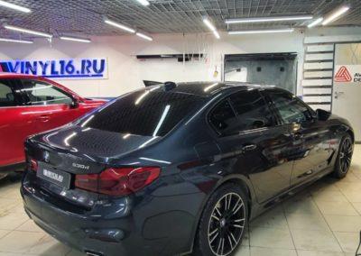 Тонировка боковых стекол BMW 5 серии пленкой Llumar