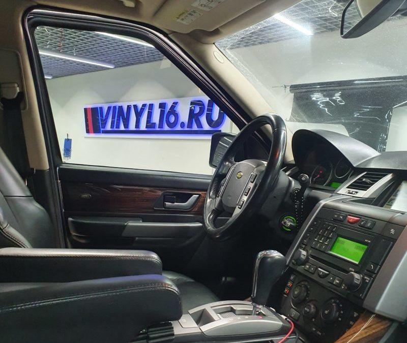 Затонировали боковые стекла автомобиля Rover Range Rover Sport пленкой Llumar 65